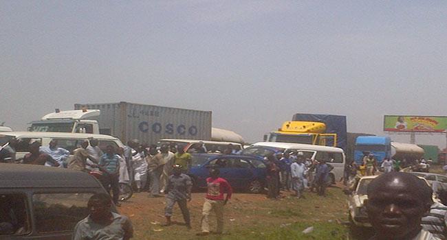 Protesting Tanker Drivers Block Kaduna-Zaria Expressway