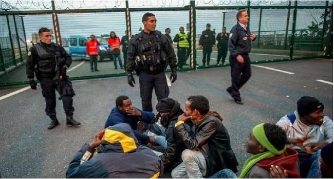 Calais Migrant Crisis: Cameron Warns Britain Is 'No Safe Haven'