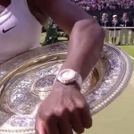 Serena-Williams-holding-Wimbledon-trophy