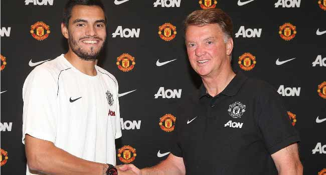 Manchester United Sign Romero