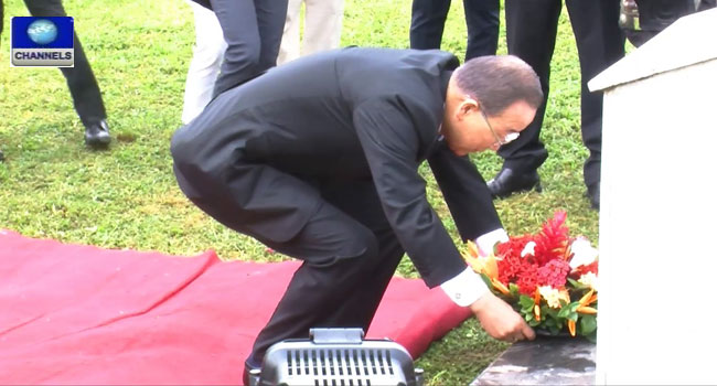 Ban Ki-moon Lays Wreath At UN Building Attacked By Boko Haram