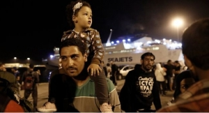 thousands of migrant arrive greece