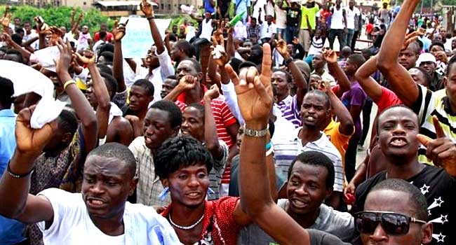 Students, Market Women Protest Long Closure Of Osun Tertiary Institution
