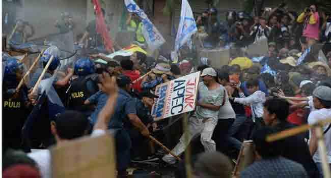 Anti-APEC Protests Take Place In Manila