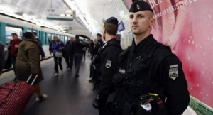 Paris Attacks: Police Discover 'Suicide Bomb Belt' On Street