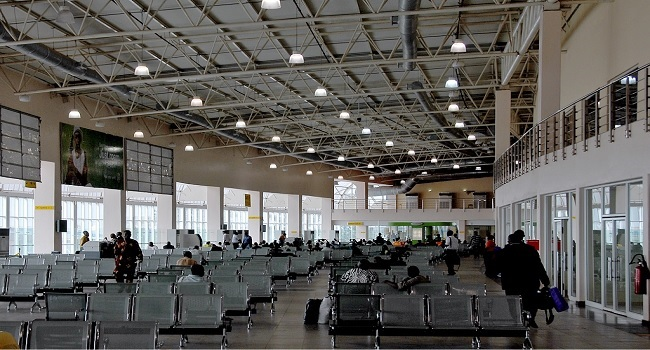 Federal Government To Contract Airport Terminals