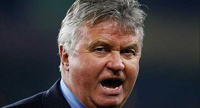 Man-U 0 Chelsea 0: Hiddink Satisfied, Van Gaal Rues Luck