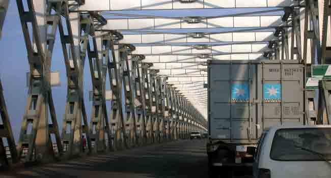 Anambra Police Dismiss Rumours Of Heavy Blockage At Onitsha Bridge Head