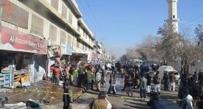 Pakistan Bomb Kills 15