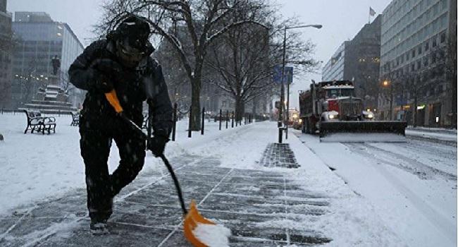 US Snowstorm: New York Lifts Travel Ban