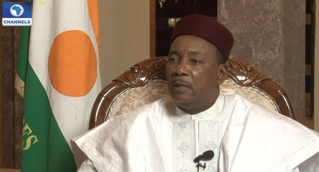 Buhari Congratulates President Issoufou Of Niger On His Re-Election