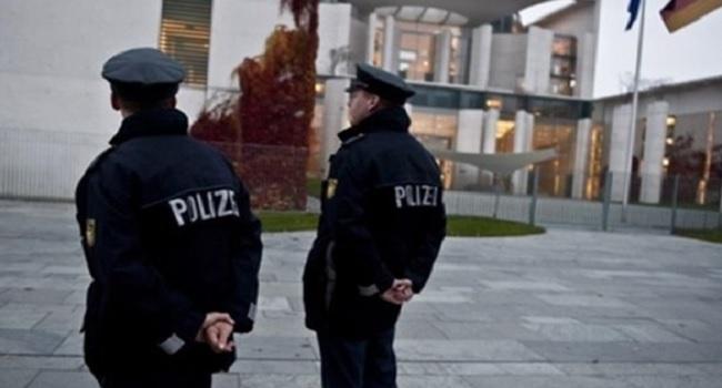 German Police Detain Two Men Suspected Of IS Links