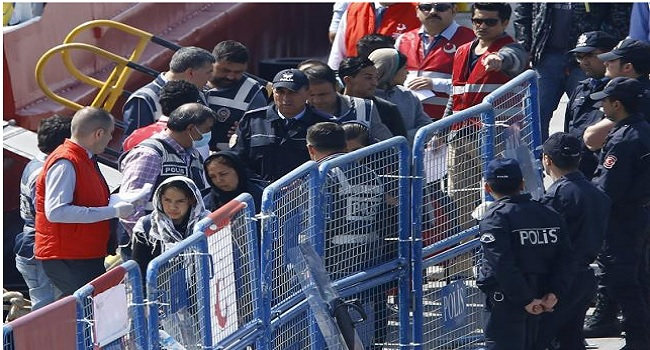 Turkey To Readmit 200 Migrants From Greece On Wednesday -Official