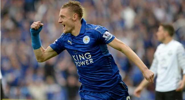 Jamie Vardy Agrees New Contract With Leicester City