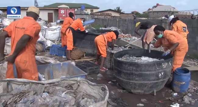 Governor Ikpeazu Inspects Waste Dumpsites In Umuahia
