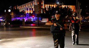 Police-officers-Turkish-military-Ankara