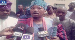 Abdul Rasheed Akanbi Oba Oluwo of Iwo on Ilesa Prison inmates