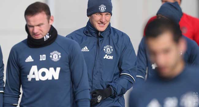 Schweinsteiger Back To Manchester United First Team Training