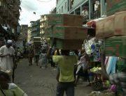 Drama In Ado Ekiti Markets As Iyaloja Forcefully Reduces Foodstuff Prices