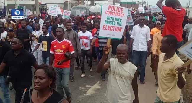 Anti-Sheriff Protesters Storm PDP Secretariat