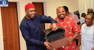 bukola-saraki-displays-made-in-nigeria-bag