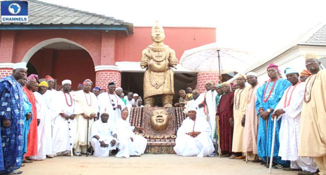 obalufon-ogbogbodirin-statue-in-osun-state