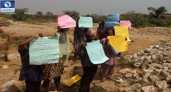 landlords-in-mining-area-protest