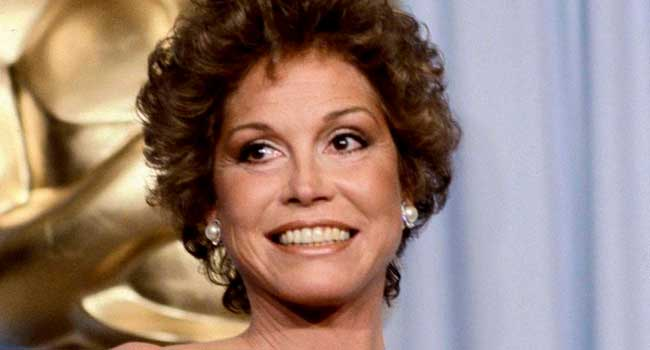 American Actress Mary Tyler Moore Dies At 80
