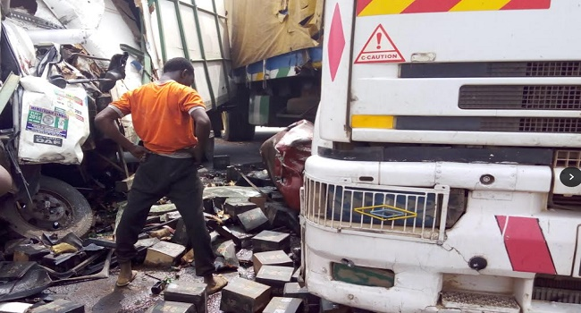 Truck Carrying Liquor Causes Accident On Lagos/Ibadan Expressway