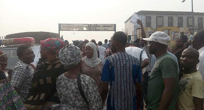 Shop Owners In Osogbo Protest Breach Of Contract