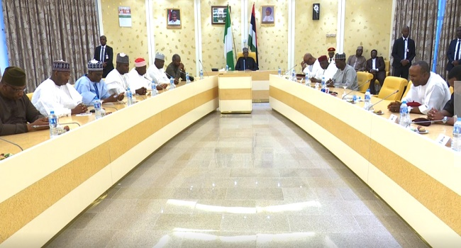 Buhari briefing cabinet members