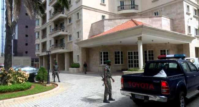 N13bn Cash: EFCC Raids Ikoyi Flats Of Mu'azu, Others