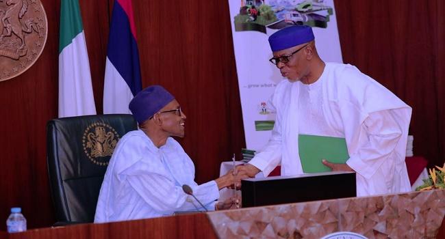 APC Crisis: Buhari Meets With Oyegun After Tinubu's Letter