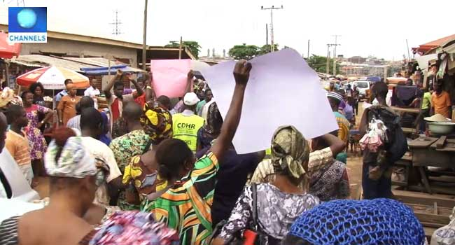 PHOTOS: Traders Protest Market Demolition In Ikorodu