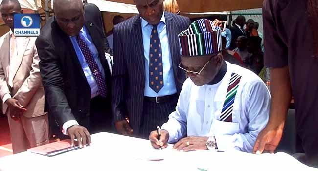 Benue Governor Signs Bill Prohibiting Open Grazing Into Law