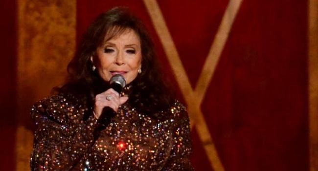 Country Singer Loretta Lynn Hospitalized After Suffering Stroke