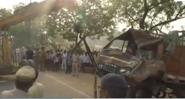 14 Dead, Dozens Injured In India Road Accident