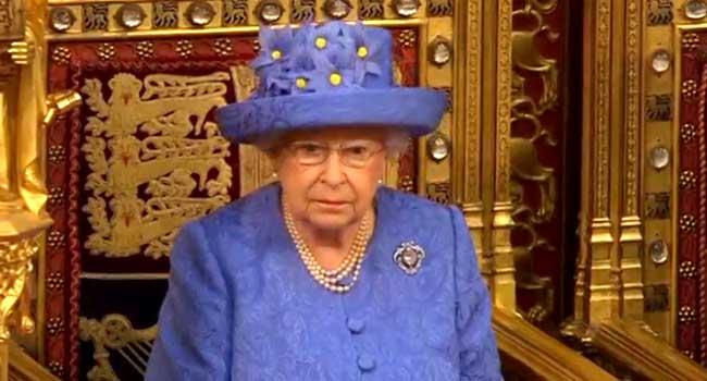 Queen Elizabeth Underwent Eye Surgery For Cataract – Palace