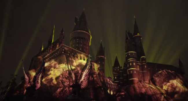 Universal Studios Lights Up Hogwarts For Summer