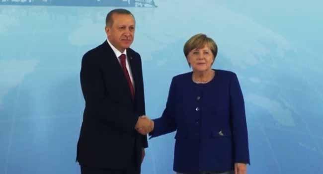 German, Turkish Top Diplomats Meet To Ease Row