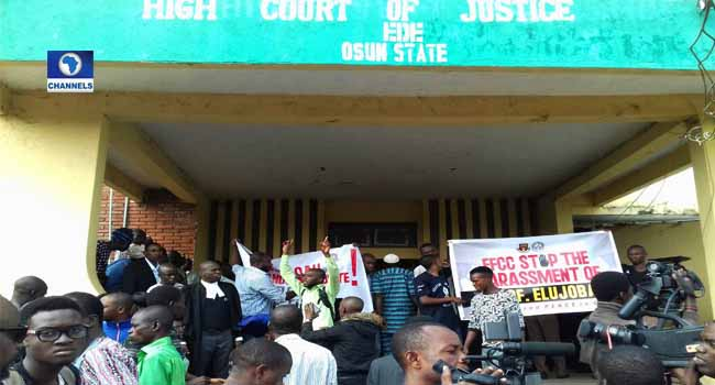 OAU Students Protest In Court Over VC's Arraignment