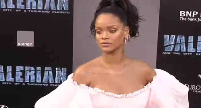 Rihanna Dominates 'Valerian' World Premiere