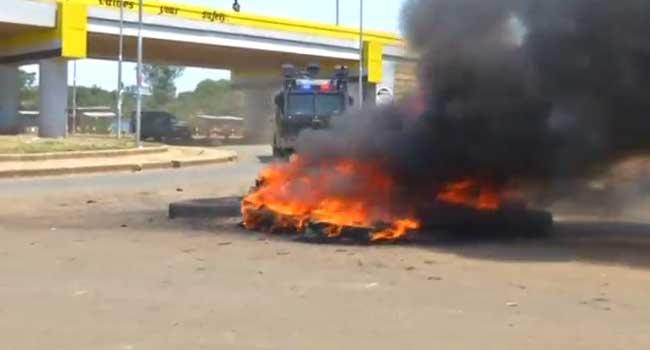 Kenyan Police Tear-Gas Chanting Odinga Supporters