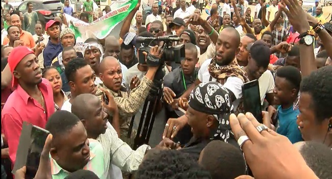 """Charly Boy, """"Resume Or Resign"""" Protesters Attacked In Abuja"""