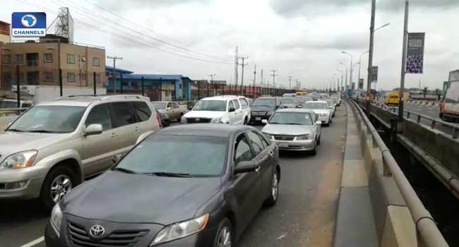Motorist Experience Heavy Traffic On Third Mainland Bridge