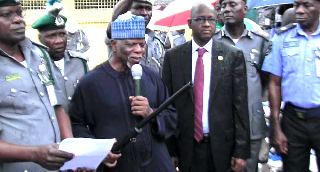 Customs Discover 1,100 Pump-Action Rifles At Lagos Port