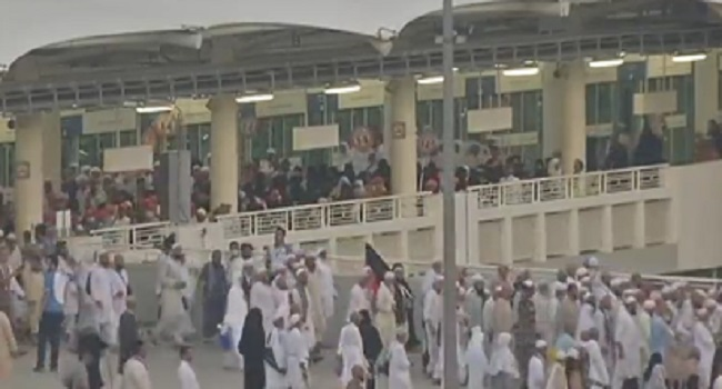 Muslim Pilgrims Symbolically Stone The Devil In Day Two Of Haj Rite
