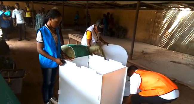 #AnambraDecides: Electoral Materials Arrive At Ezeemo's Ward Five Hours Late