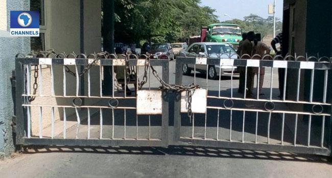 SSANU, NASU, Others Shut Down OAU In Protest