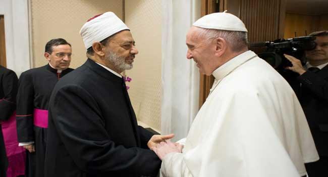 Al-Azhar's Imam Meets Pope, Vows To Fight Terrorism